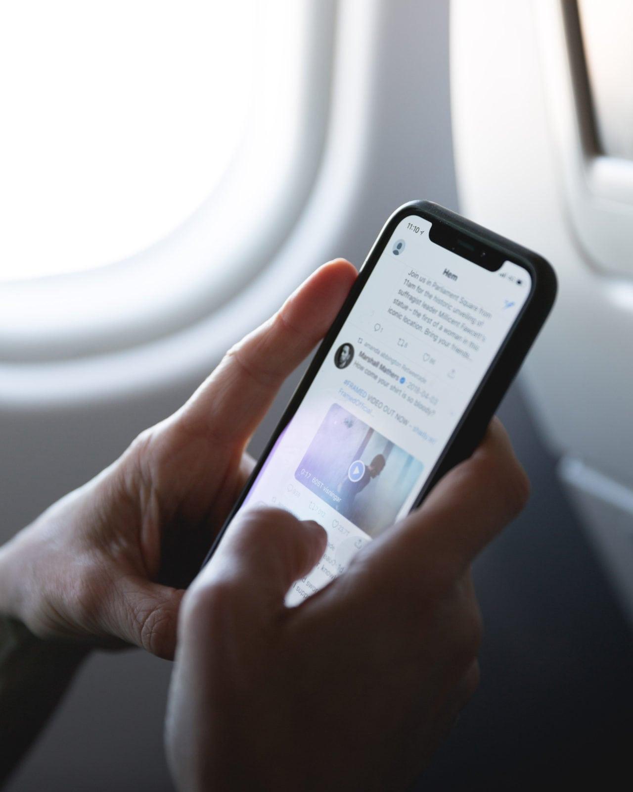 Twitter on plane social media